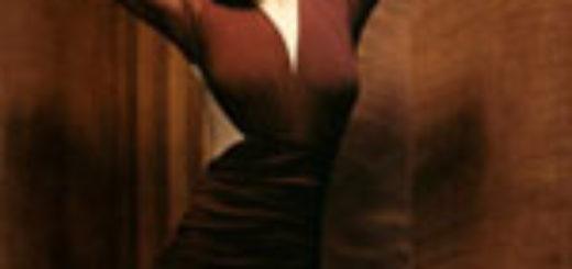 Ltdeirf d rjhbxytdjv gkfnmtДевушка в коричневом платье