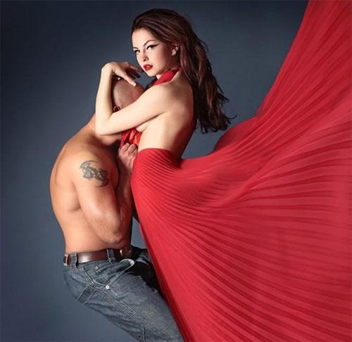 Красный цвет в одежде влияет на выбор сексуального партнера