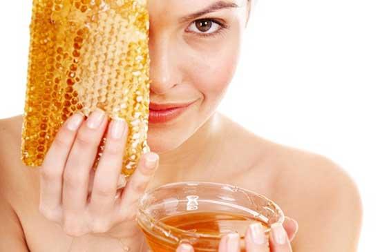Мед при лечении молочницы у женщин