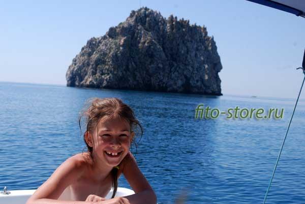 Ребенок на Черном море